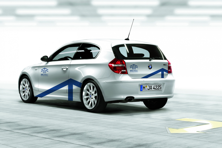 aplikacija logotipa oslikavanje vozila ata consult gmbh