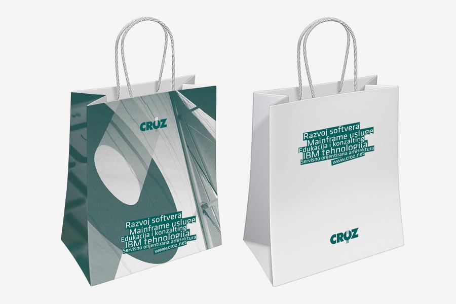 Knjiga grafičkih standarda za IT tvtku, aplikacija logotipa na vrećice